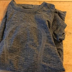 Lululemon short sleeved grey T